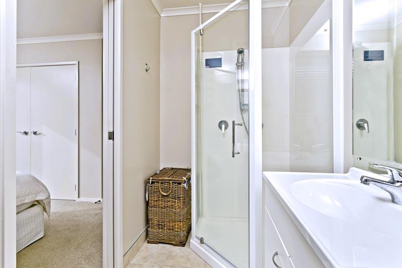 Bathroom Renovator 5 tips for choosing a bathroom renovator in auckland - superior